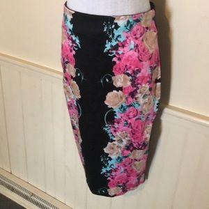 Kardashian Kollection floral skirt large